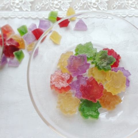 Herb Tea taste Kohaku jelly-candy of Autumn Maple tree leaves ハーブティでできたメープルリーフの琥珀糖
