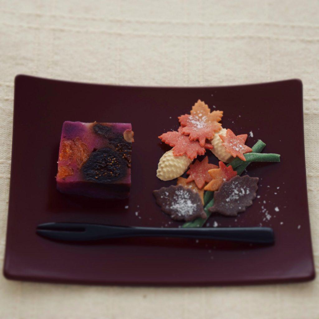 紫芋の蒸羊羹と州浜